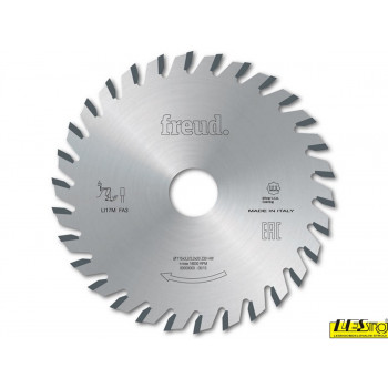 Flat tooth scoring saw blades